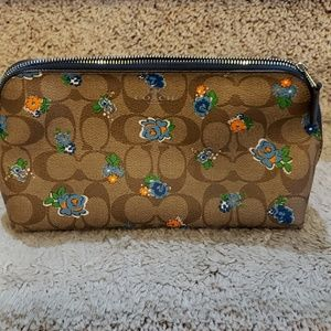 Coach small purse/cosmetic bag